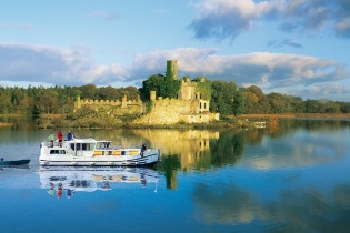 House-Boats rental Barging Ireland