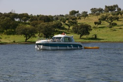 Rental of licence-free barges on rivers and canals of Portugal