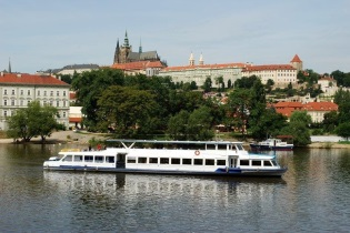 House-Boats rental Barging Czech Republic