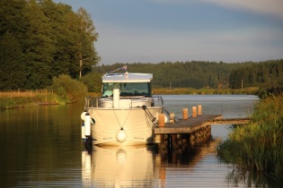 House-Boats rental Barging Sweden